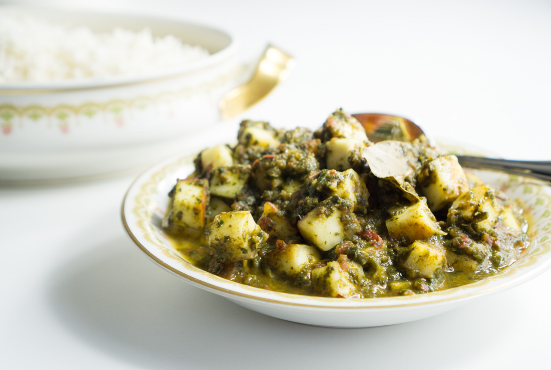 Indian Cheesy Spinach Curry (Palak Paneer)