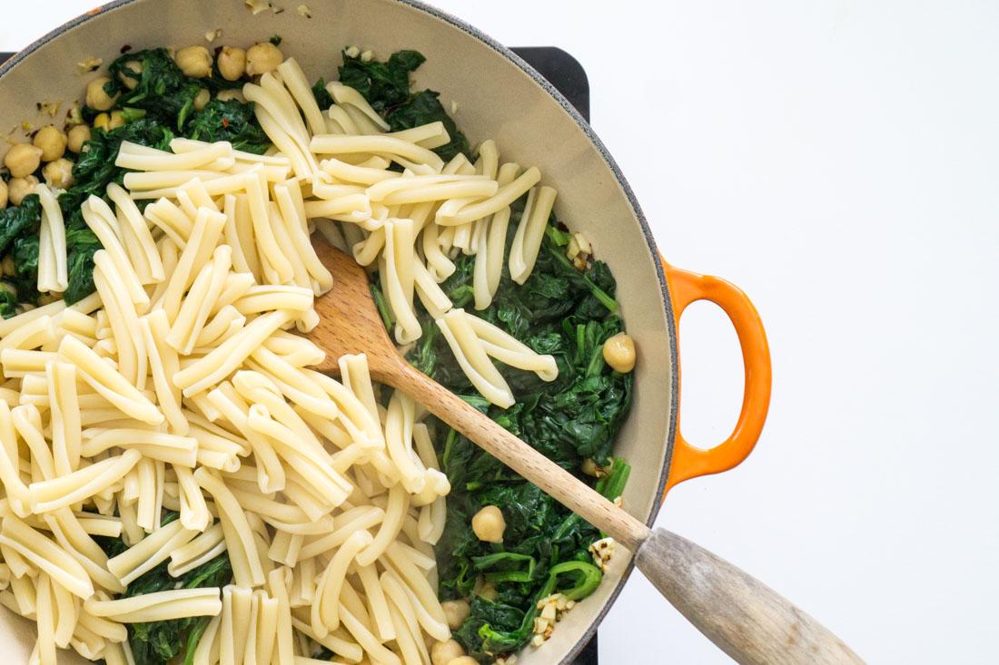 Spinach Chickpea Pasta